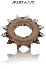 Cock Ring Stud Elastomer : Un anneau large, bordé de pics pour une esthétique virile et une efficacité maximum.